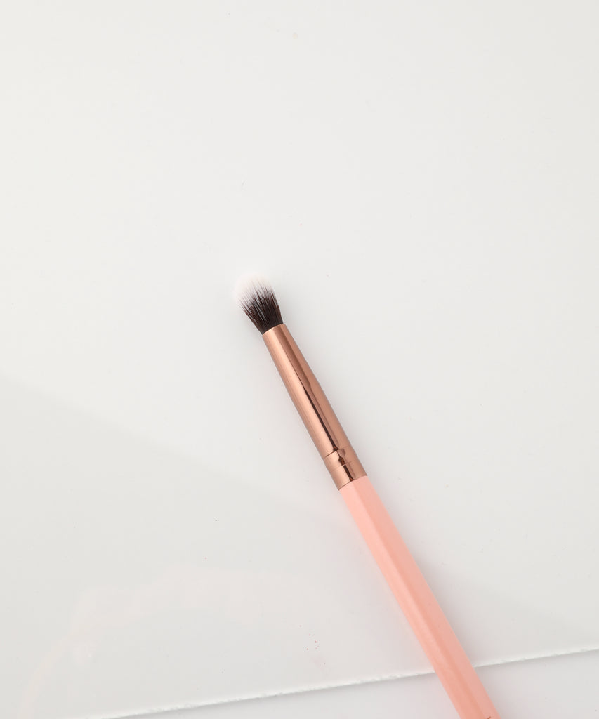 205 Tapered Blending Brush - Rose Gold - luxiebeauty