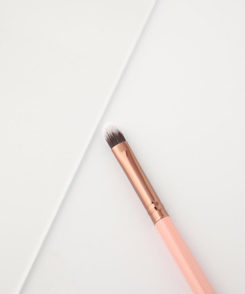 LUXIE 211 Concealer Makeup Brush - Rose Gold - luxiebeauty