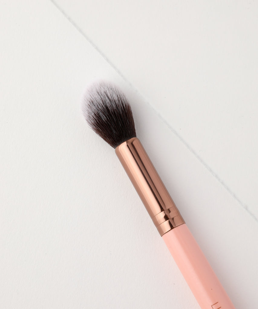 LUXIE 522 Tapered Highlighting Brush - Rose Gold - luxiebeauty