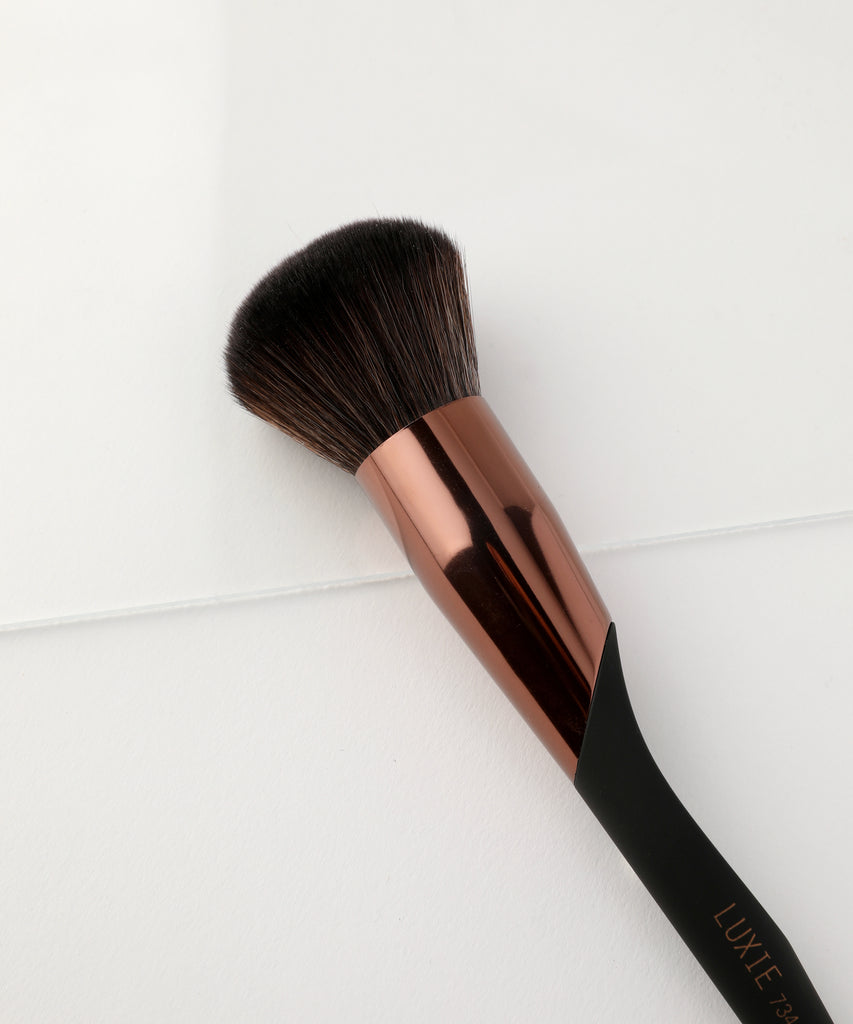 LUXIE 734 Airbrush Powder Brush - ProTools - luxiebeauty