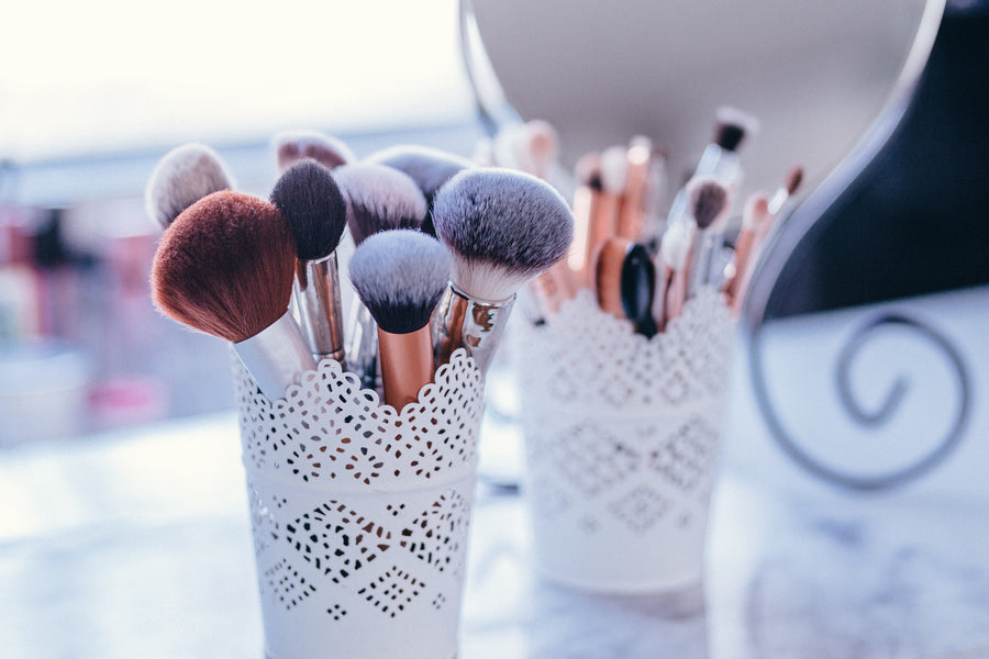 Dos & Don'ts of makeup brush cleansing