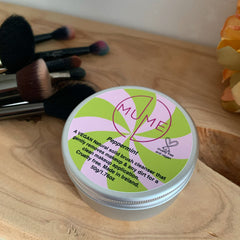 MuMe's peppermint solid makeup brush cleanser