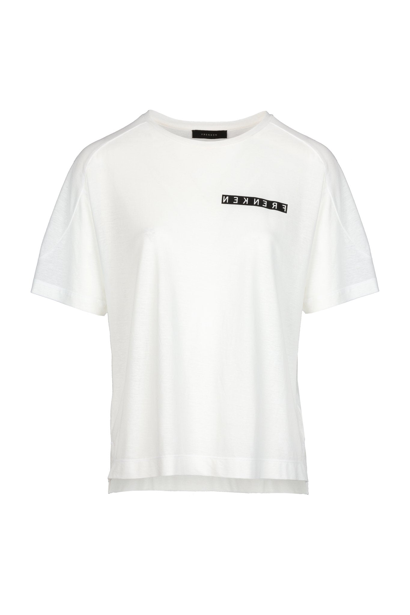 Off-white top. FRENKEN fashion. Relaxed fitted flimsy T-Shirt. Detailed with round seams at shoulder and printed mirrored logo.
