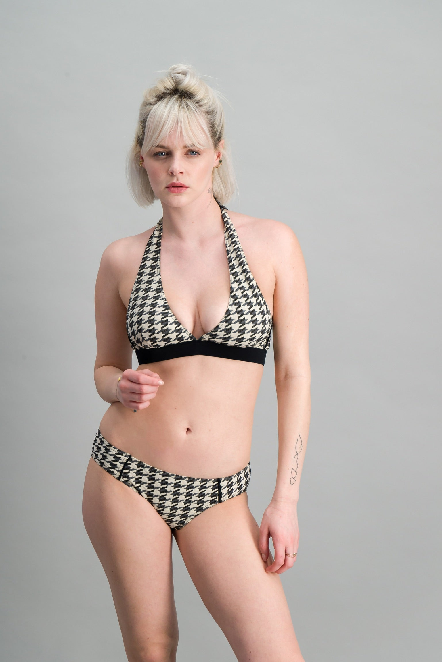 Triangle Halter - PISCINE  - New collection