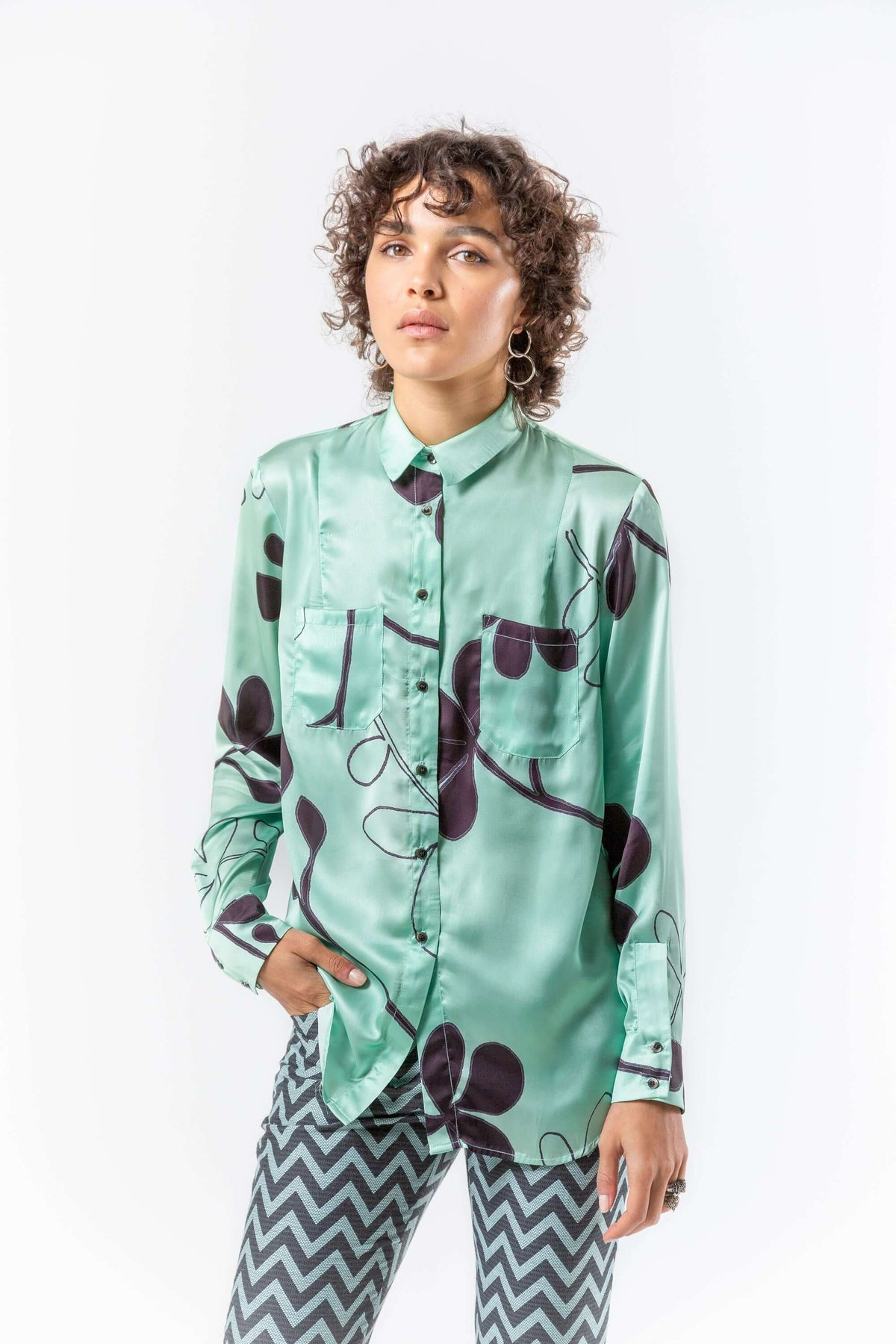 Dori shirt in clover print