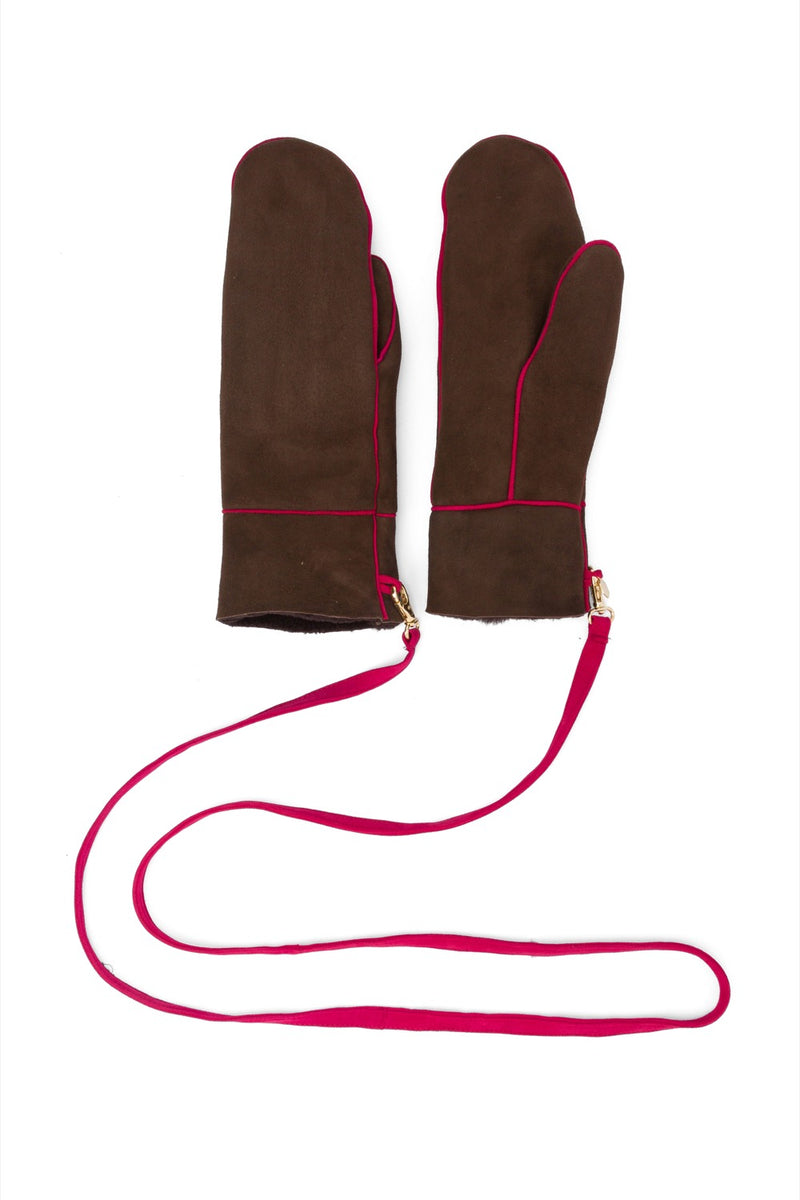 Mittens in chocolate leather
