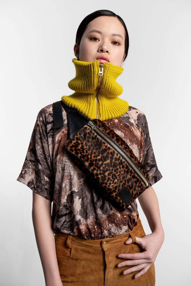 Collar in yellow knit