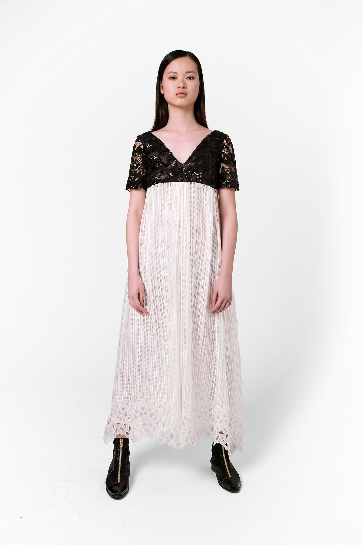 Mara dress in medusa lace