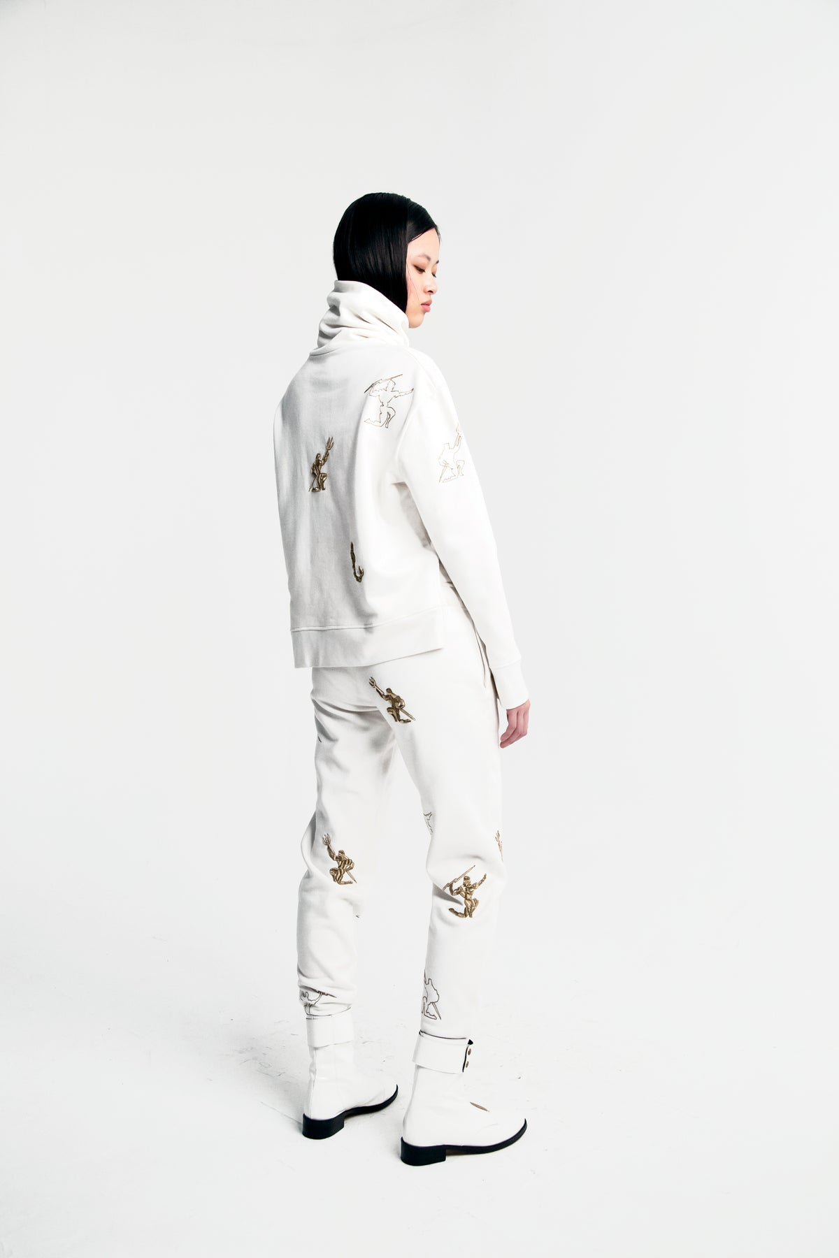 Melchior pants in embroidered fleece