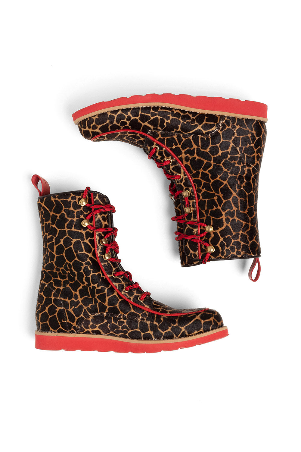Mountain Boots in girafe printed leather