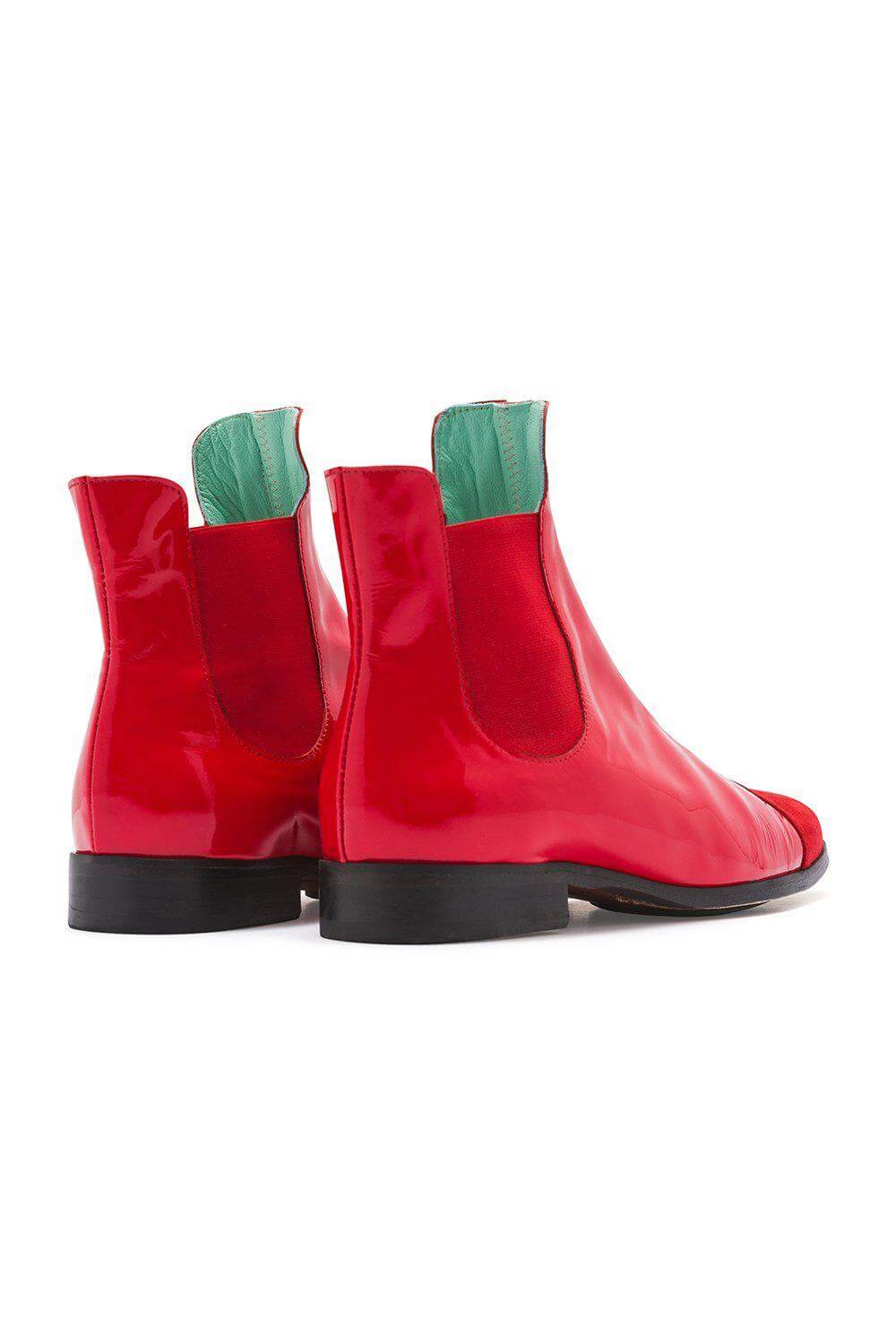 Duchesse boots in red leather