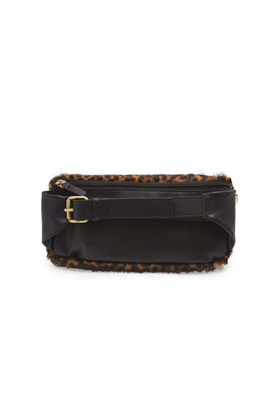 Fanny pack in leopard printed leather