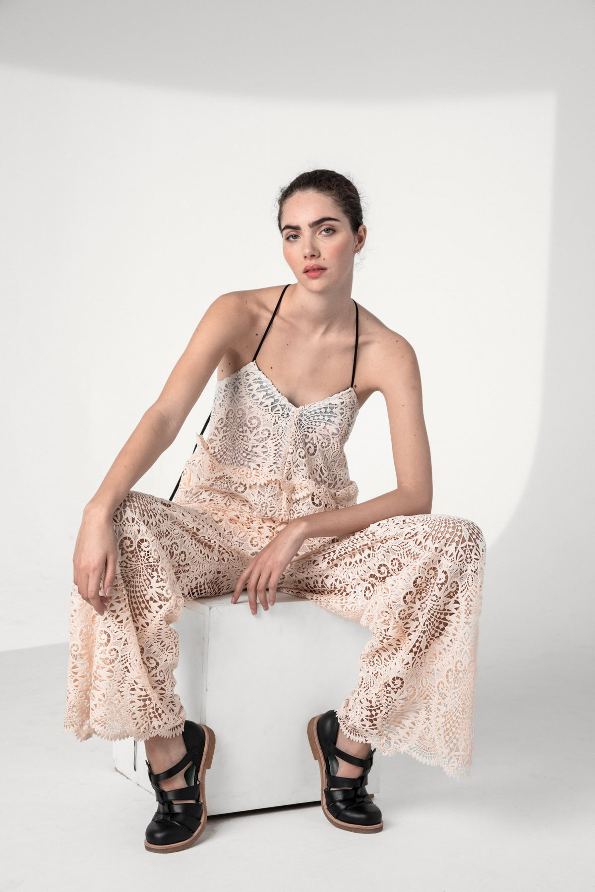 Lottie jumpsuit in vegetal lace