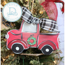 Load image into Gallery viewer, Old fashion truck ornament