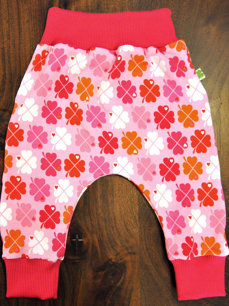 Four Leaf Clover in Pink with Pink Rib Cuffs, size 6-12 months
