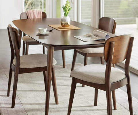 Traditional Scandinavian Dining Room Table Design