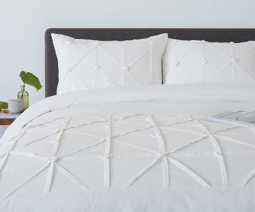 Traditional modern chic tufted white bedding