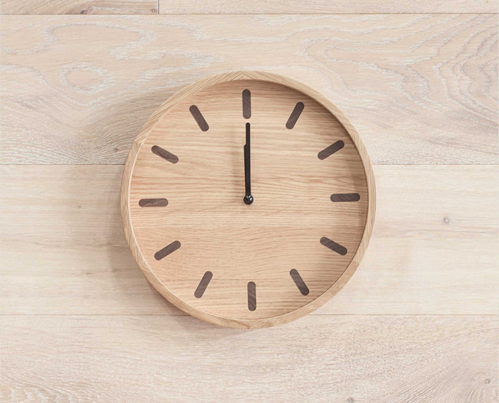 Natural wood notched clock