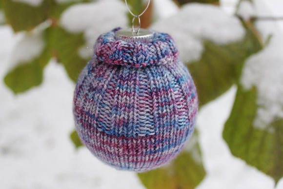 Christmas Ornament - A Pattern from Lucky Fox Knits