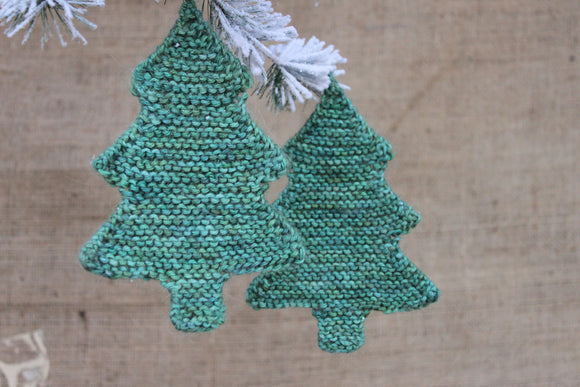 Easy Christmas Tree Ornament - A Pattern from Lucky Fox Knits