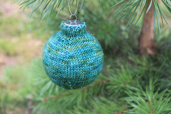 Raglan Christmas Ornament - A Pattern from Lucky Fox Knits