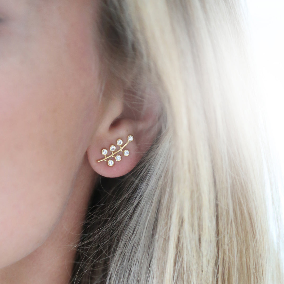 Berry Pave Ear Climber