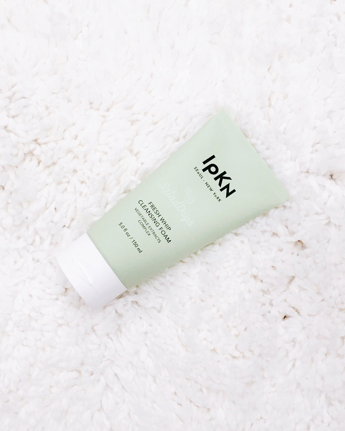 Salad Days!  A vitamin-enriched cleansing foam deeply cleanses and removes makeup, toxins, and impurities from the skin both day & night while hydrating the skin. Vegetable particles such as Kale and Whet help improve the appearance of skin elasticity and hydration for younger looking skin!