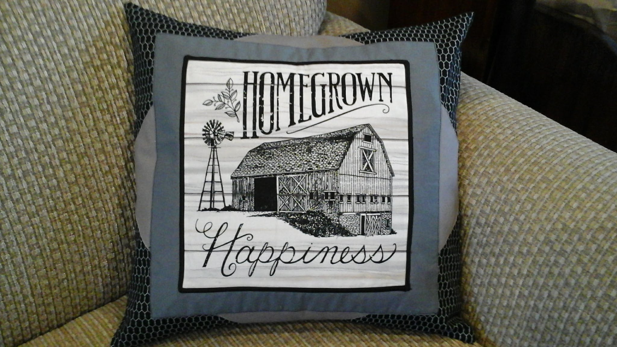 Completed farmhouse pillow