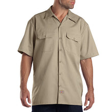 Dickies mens short sleeve shirt khaki.