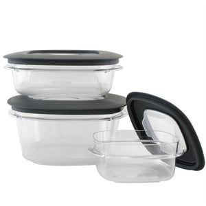 Rubbermaid storage set, 3 containers with lids.