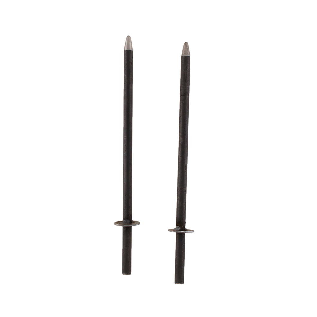 2 quoits stakes with pointed ends.
