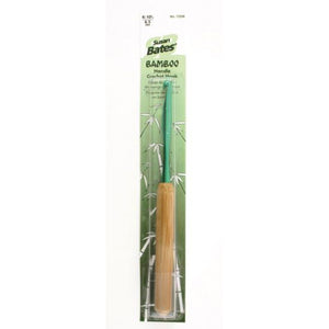 Crochet hook with bamboo handle 10.5