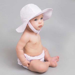 Pink baby hat with broad brim