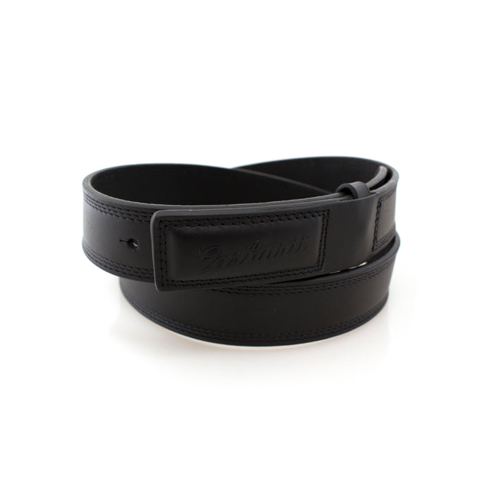 Scratchless black leather belt