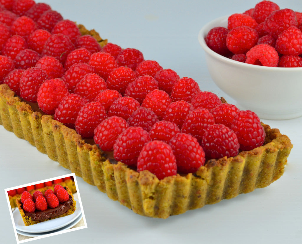 Raspberry tart with insert