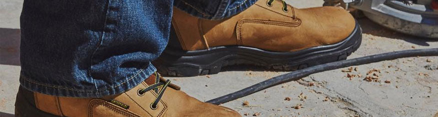 Best Work Boots For Standing Long Periods in a Factory