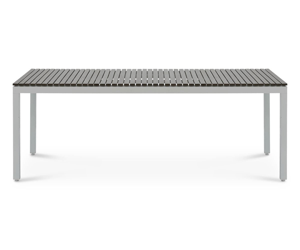outdoor dining table