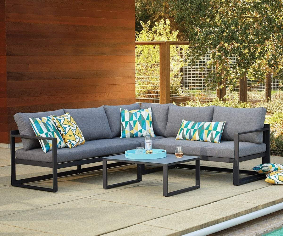 Jaren Outdoor Sectional with Coffee Table