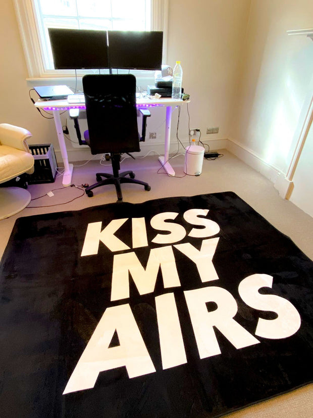 KISS MY AIRS SUPER SIZE SHIPPING ONLY EU & UK