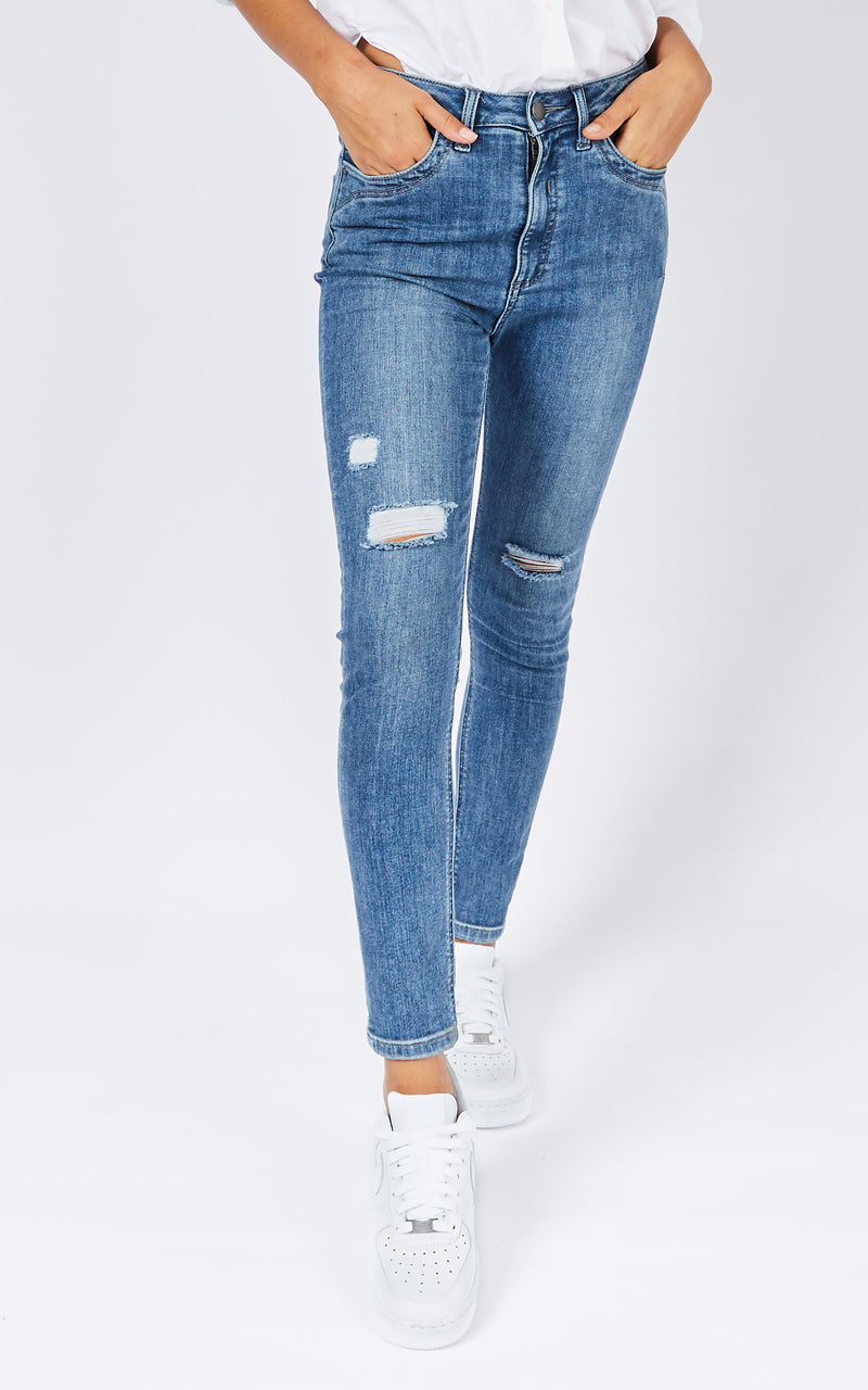 DCD HIGH MID WASH JEANS