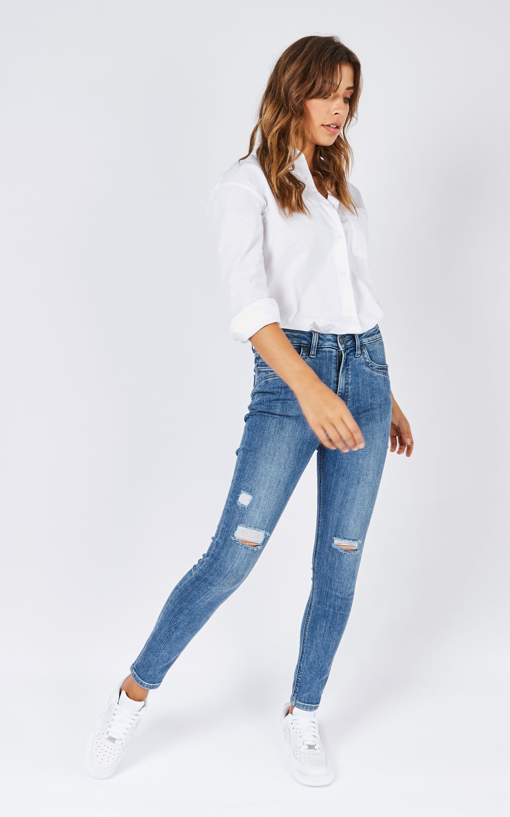 DCD HIGH WAISTED MID WASH JEANS