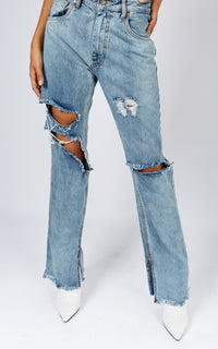 NORMANI HIGH WAISTED DISTRESSED JEANS