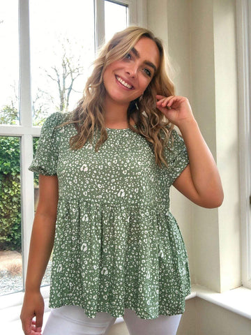 PLUS SIZE Nat Top - Green-Top- Boheme Junction