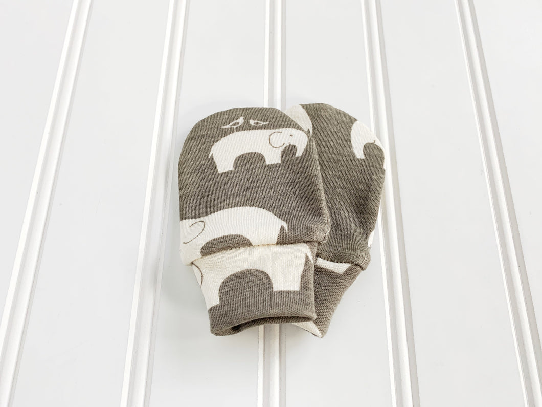 Elephants Organic Newborn Mittens - Gray / White - CAVU Creations