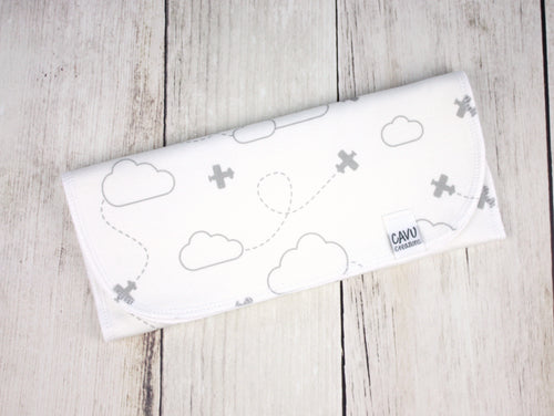 Airplanes in Clouds Organic Burp Cloth - Gray / White - CAVU Creations
