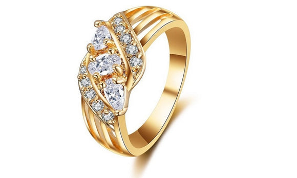 New Vogue White CZ Crystal Elegance Ring for Women