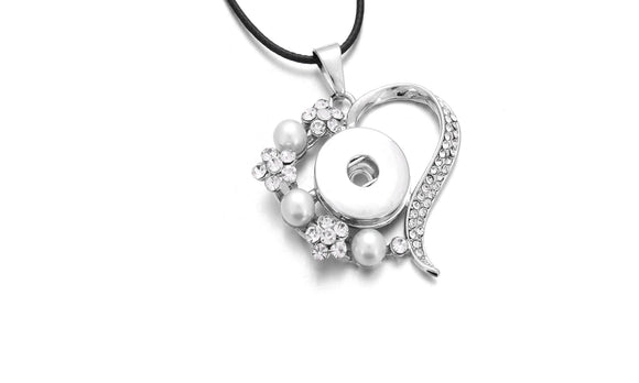 New Crystal Flower Heart Pendant Necklace For Women