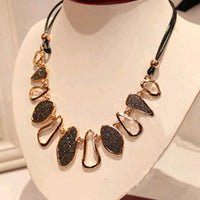 Vintage Geometric Frosted Clavicular Chain Necklace for Women