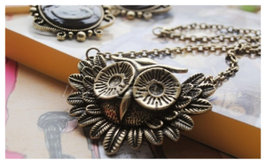 New Hot Came A Vintage Owl Necklace!