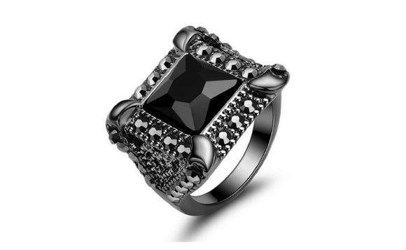 Vintage Black Onyx Geometric Design Black Gold Plated Ring(6,7,8)